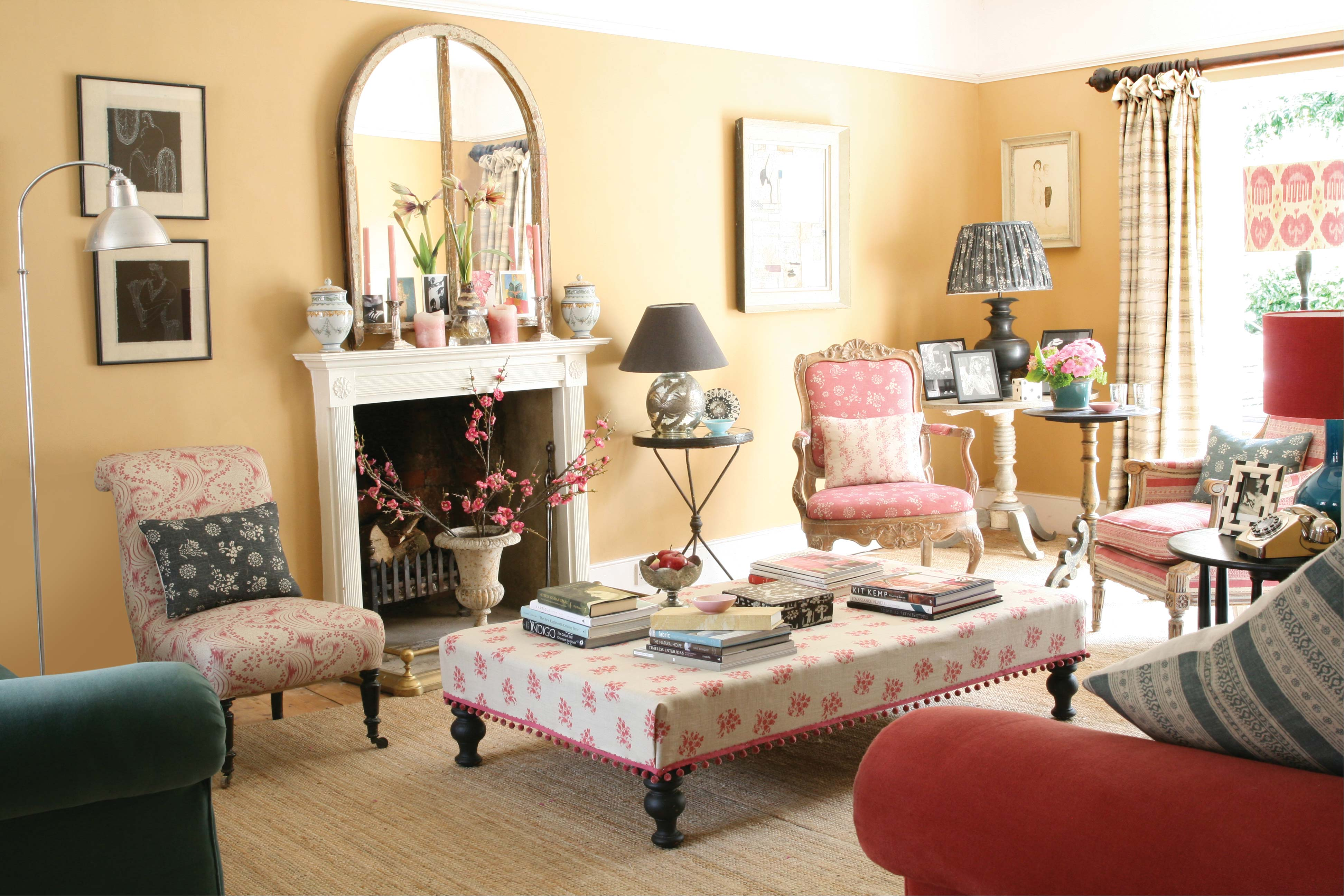 Pink-Agnes-Stool-Roomset