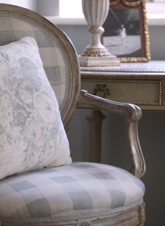 blue-check-chair-blue-roses-cushion