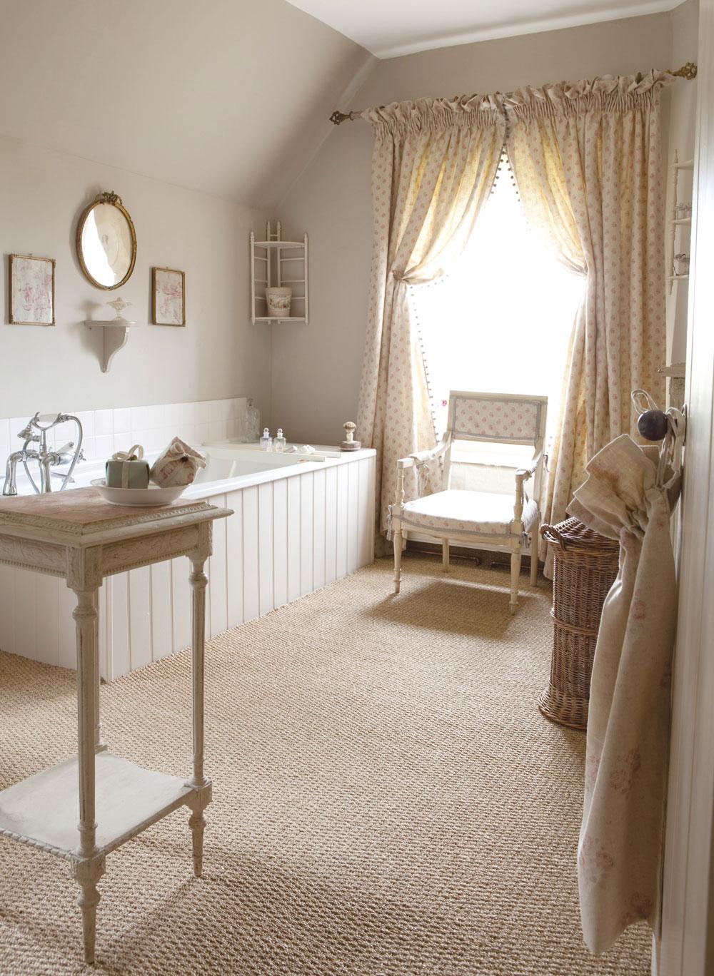 Agatha-Bathroom-Curtains