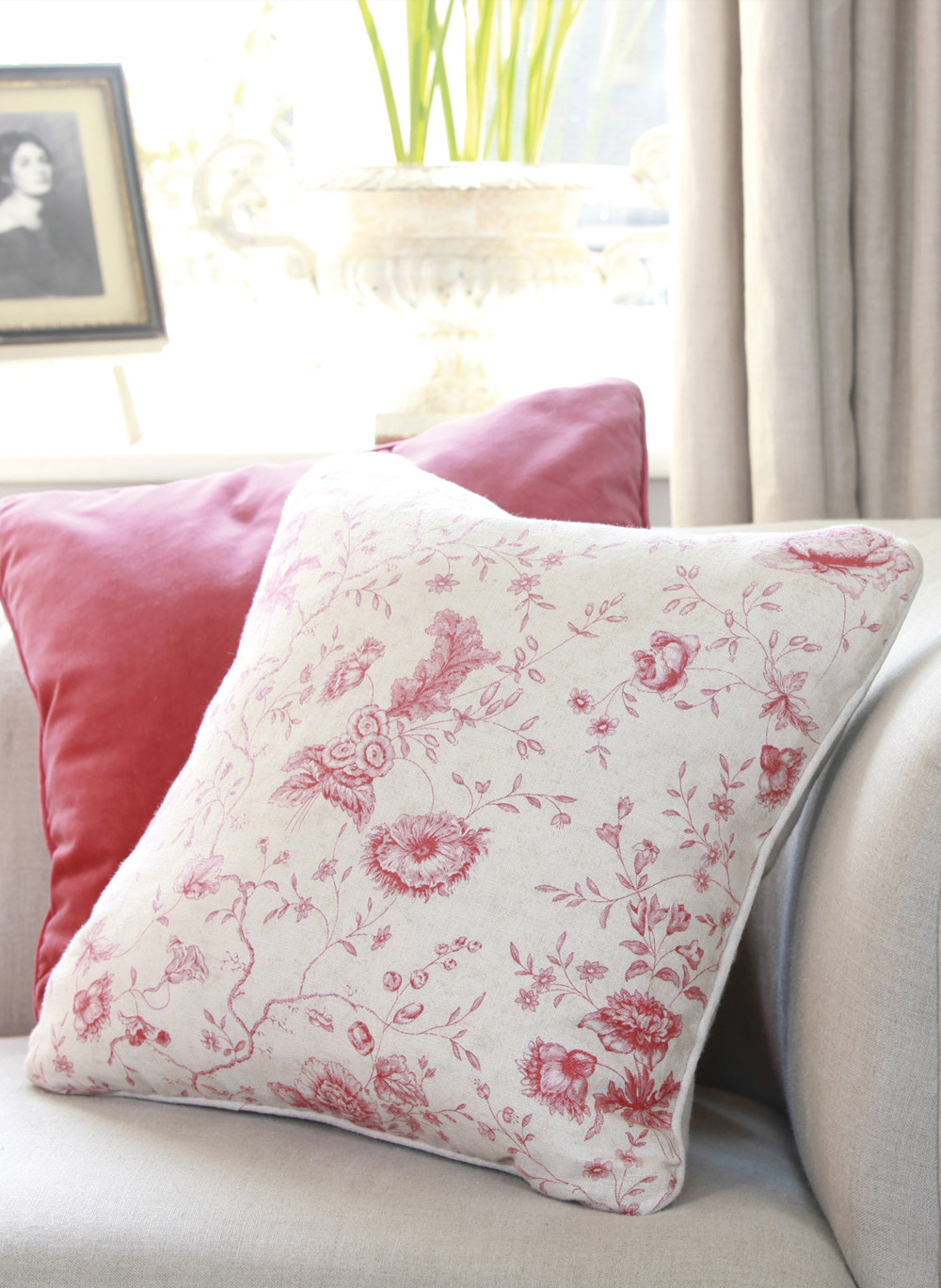 Antoinette-Cushion-Close-Up