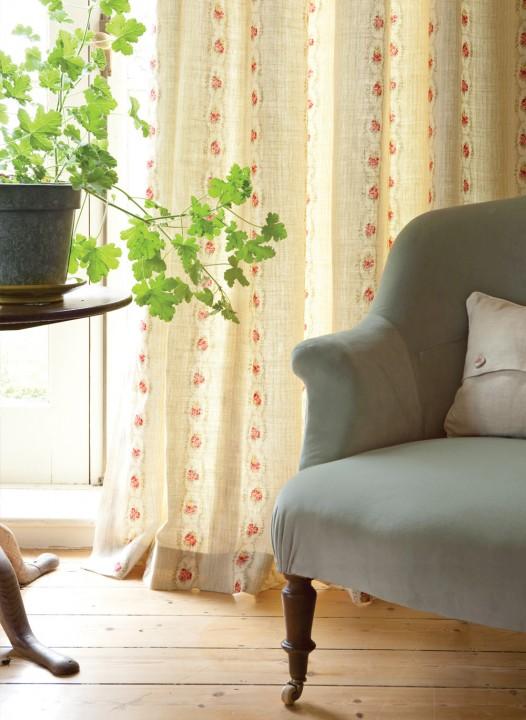 Blue-Velvet-Chair-2