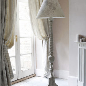 Oyster-Roses-Standard-Lamp