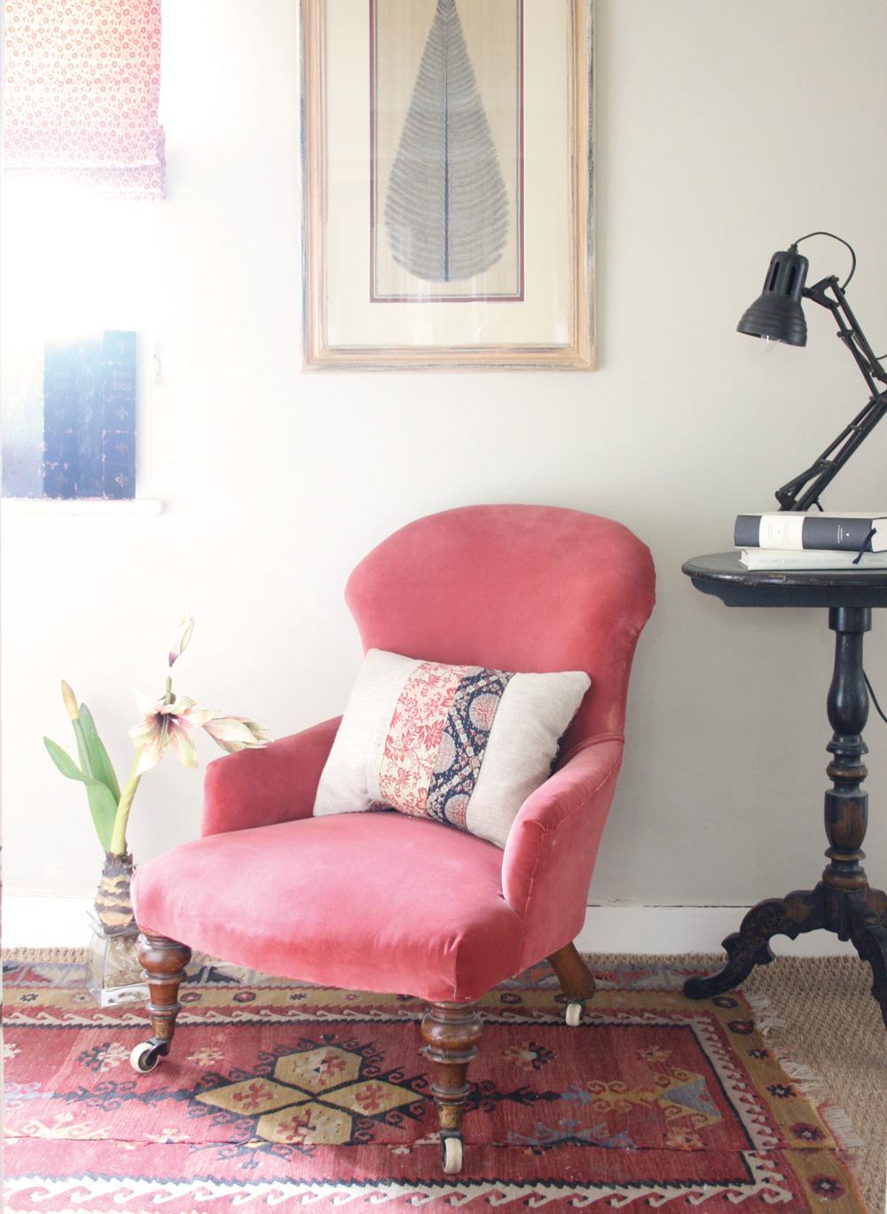 Red-Velvet-Chair-2