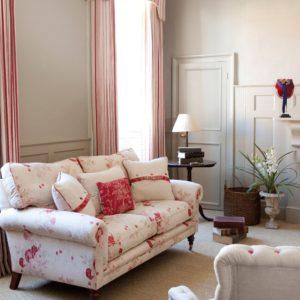 Roses-sofa