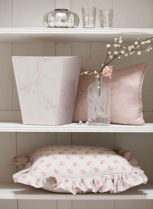 armoire-shelves