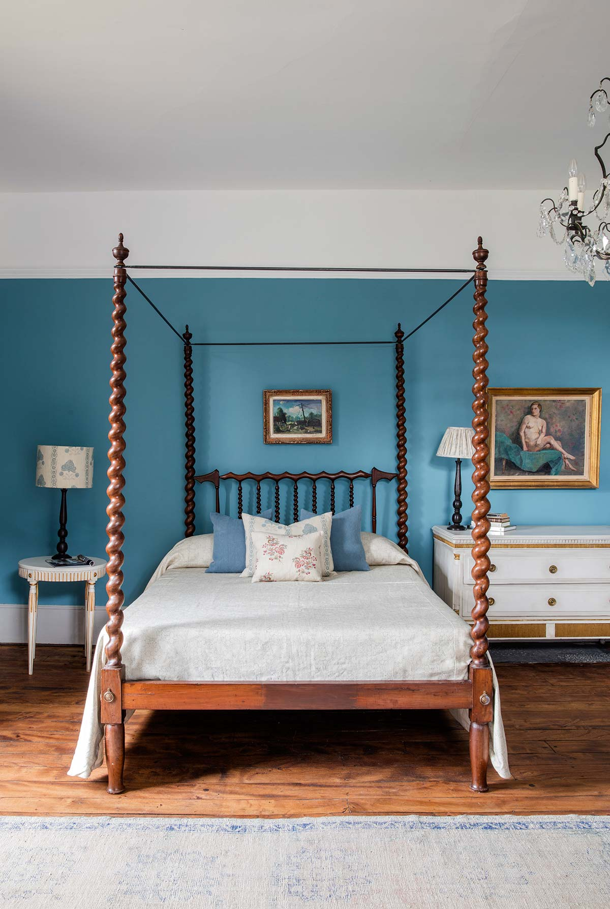 Manon-Blue-Bed